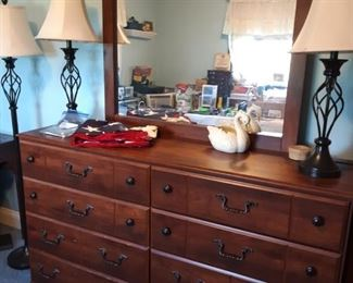 6 drawer chest with mirror, lamps and floor lamps