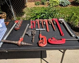 Pipe wrenches, Reamer, pipe cutters, pipe die set.