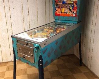 Pinball Machine - Bowling Queen - good condition