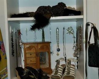 costume jewlery