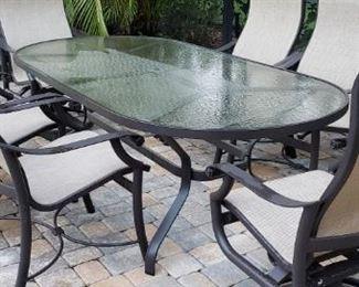 patio dine table