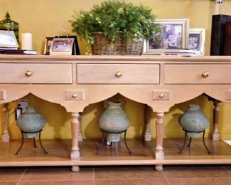 Great console table with wonderful decor items.