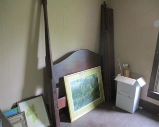 4 poster bed w/ canopy