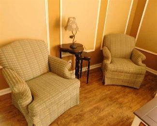 Broyhill club chairs
