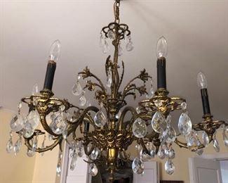 Vintage lighting & chandeliers