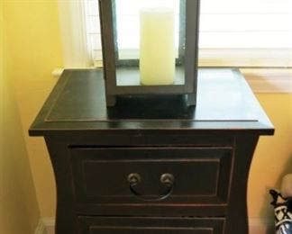 3 drawer night stand/table