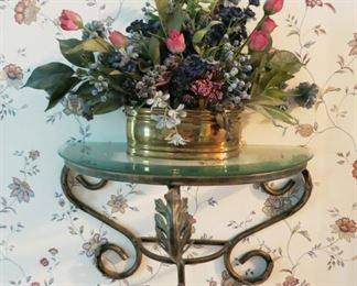 Metal/glass wall shelf, floral decor