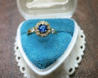 18K yellow gold & diamond ring, center blue stone