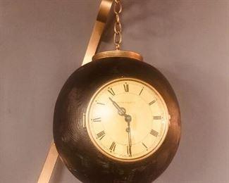 Lester Fields Round Clock