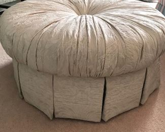 "Ottoman : 36"" diameter x 15 `/2"" high"