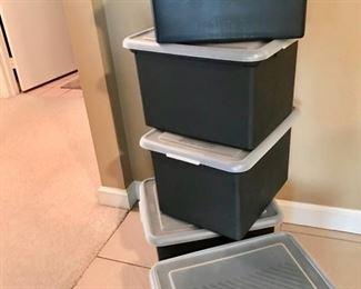 Portable plastic file boxes