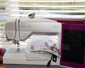 Husqvarna Viking  EPIC 980Q Sewing Embroidery Machine