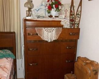 vintage waterfall 4 drawer chest of drawers