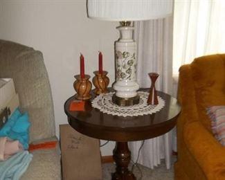 vintage pedestal lamp table and vintage lamp