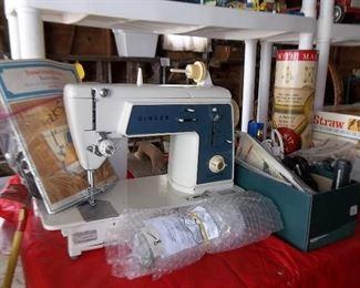 Working singer sewing machine