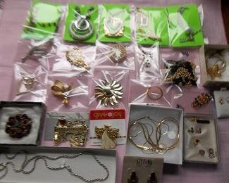 nice vintage jewelry