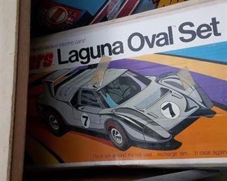 Vintage Laguna Oval hot wheels  race set