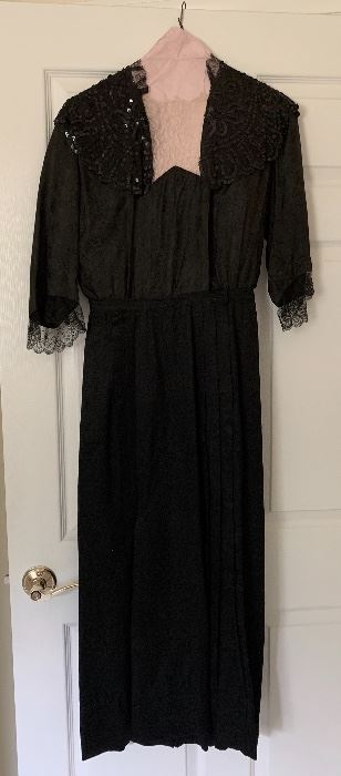 vintage/antique dress - perfect to wear to see the Downton Abbey movie this fall