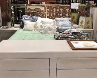 King bed, 6 drawer dresser