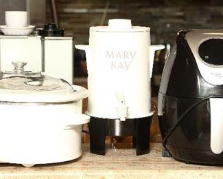 A few kitchen appliances.