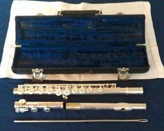 Gemeinhardt Flute - Silver-plated, Elkhard, Ind.