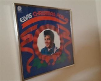 Elvis Christmas record framed (disk included)