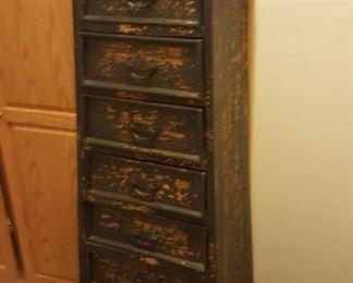Very nice multi drawer display - storage - in a modern, yet primitive look