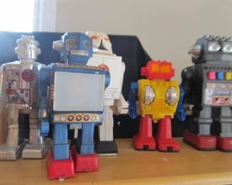 Another pic of the robots