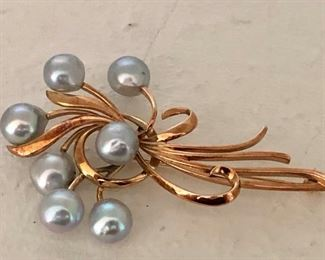 14k Gold Pin with Cultured Pearls