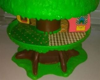 Vintage 1975 Kenner Tree Tots Tree Family House