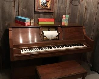 Duo Art Player Piano - Large selection of Music