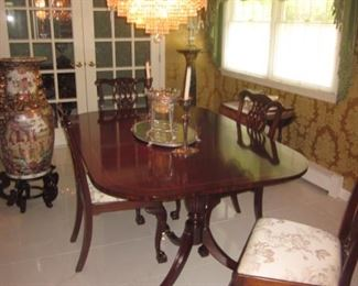 Drexel Heritage Dining room Suite