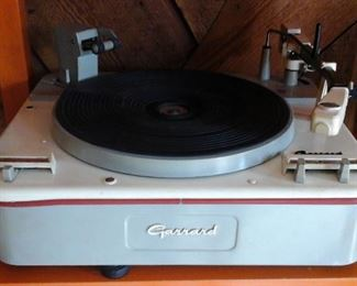 Garrard turntable  (works)