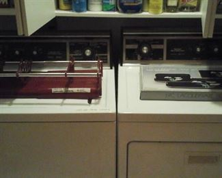 Kenmore washer and dryer  (working)