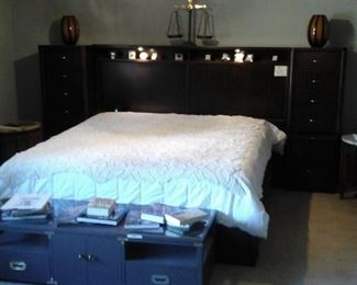Bernhardt king wallbed.