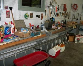 Tools, Wagon, Extension Ladder, Shop Vac