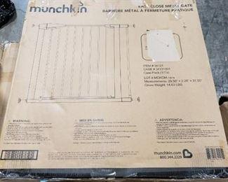 Munchkin 31041 Easy-Close Metal Gate, White