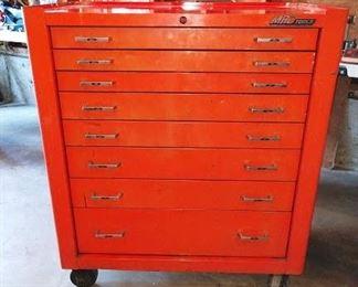 Garage: Mac Tool Roll-a-Way Box