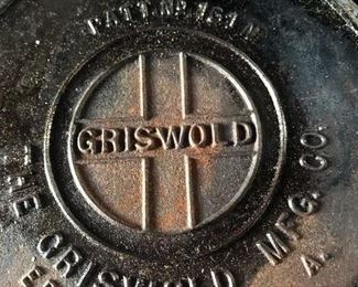 Griswold waffle iron No. 8