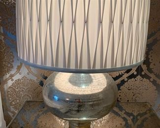 124. Mirrored Lamp (23'')