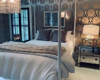 121. White Four Poster Queen Bed