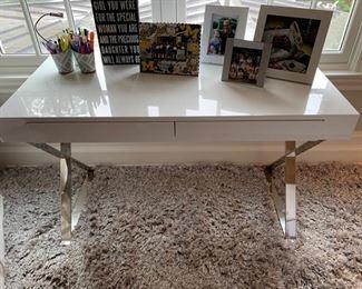 153. White Lacquer 2 Drawer Desk (48'' x 24'' x 30'')