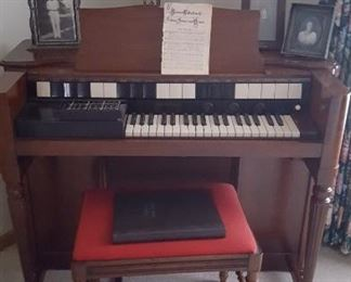 Hammond organ in nice condition