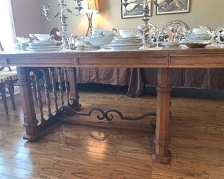 Jacobean Dining table with two leaves