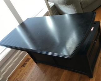 Signature design Lift-Top Cocktail table with 3 storage drawers