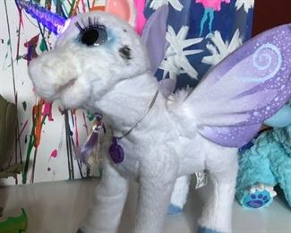 FurReal Friends - Interacting Unicorn