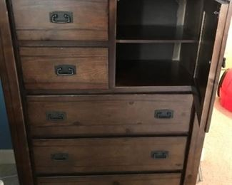Rustic dresser with 5 drawers and a cabinet