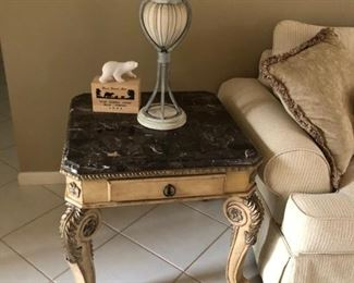2 End Tables and matching coffee tables $175
