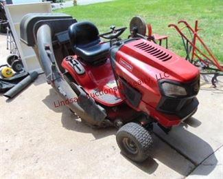 2 Craftsman T2200 Lawn Tractor Briggs 19.0 hp