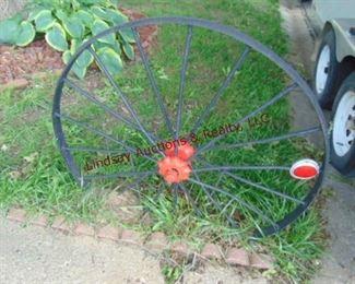 109 Metal wagon wheel
